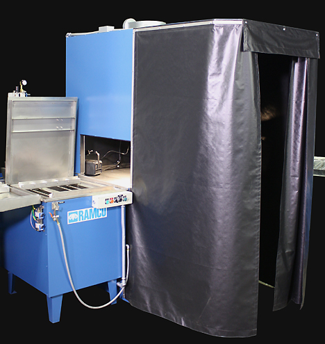 MK24 FPI - inspection booth  1a